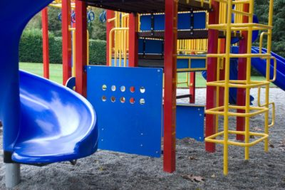 Pros and cons of pea gravel for playground flooring